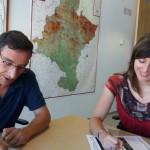Ignacio Gil, Director General de Desarrollo Rural, y Maite Iturre Presidenta de Cederna Garalur, en la firma del Convenio