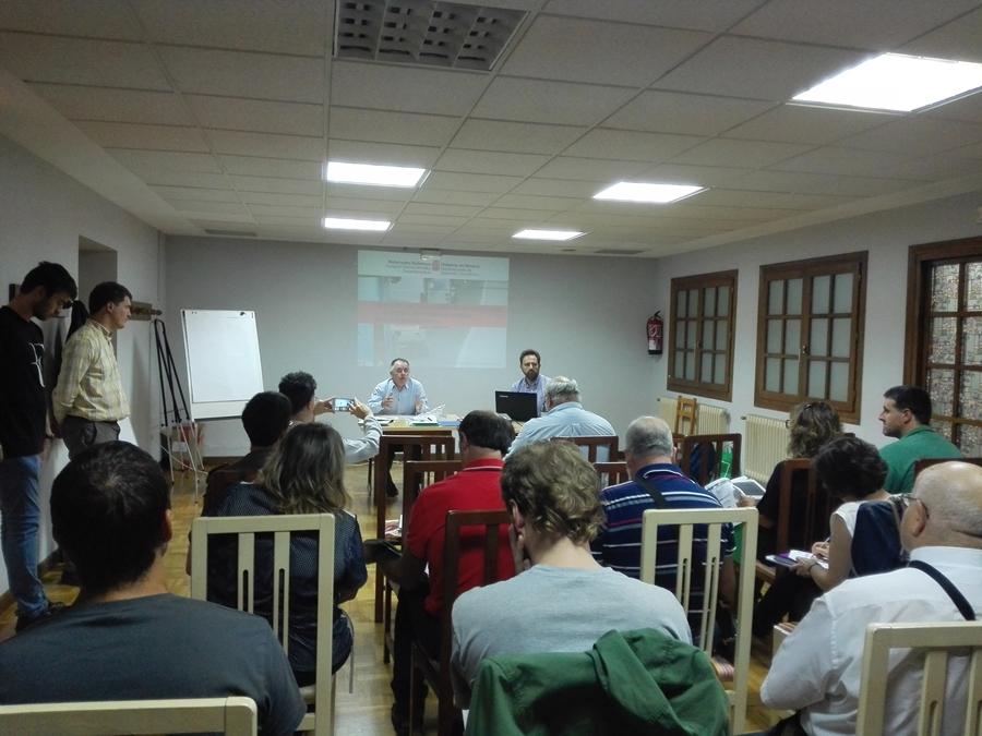 Doneztebe acoge la primera sesión participativa para la renovación del sistema de transporte público interurbano en la comarca de Baztan-Bidasoa.