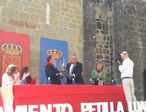 Petilla de Aragón y Luarca sellan el Hermanamiento de las Villas de Nobel.